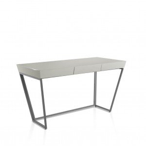 Rašomasis stalas su centriniu stalčiumi su švelnaus uždarymo sistema